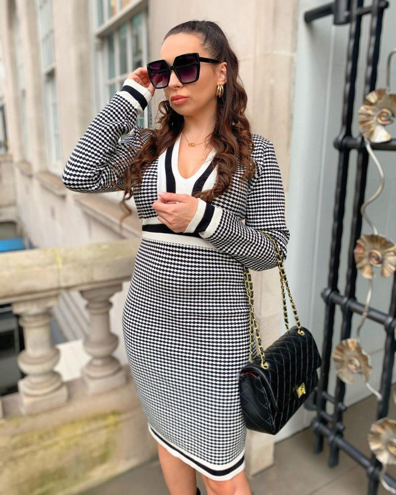 Houndstooth Print Plunging Neck Contrast Sweater Dress