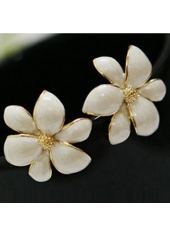 wholesale Charming White Flower Shape Metal Earrings for Woman