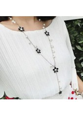 Woman Faux Pearl and Flower Decorated Necklace