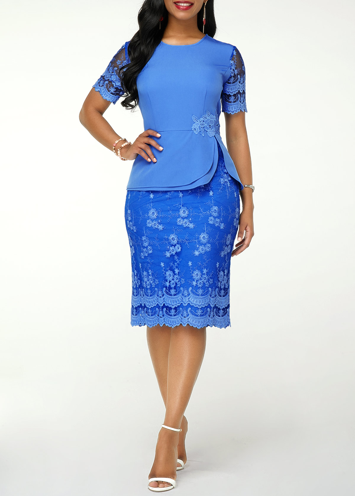Short Sleeve Round Neck Back Slit Lace Dress