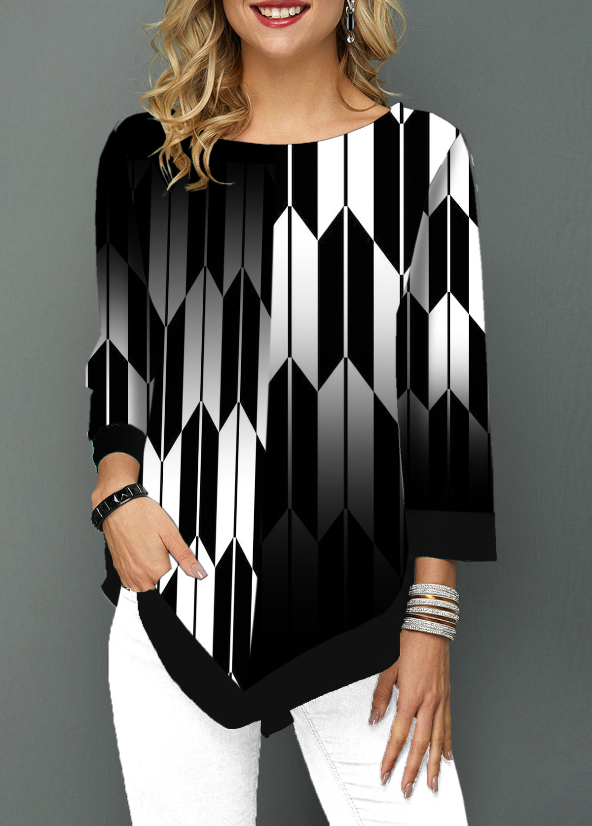 Round Neck Asymmetric Hem Geometric Print T Shirt