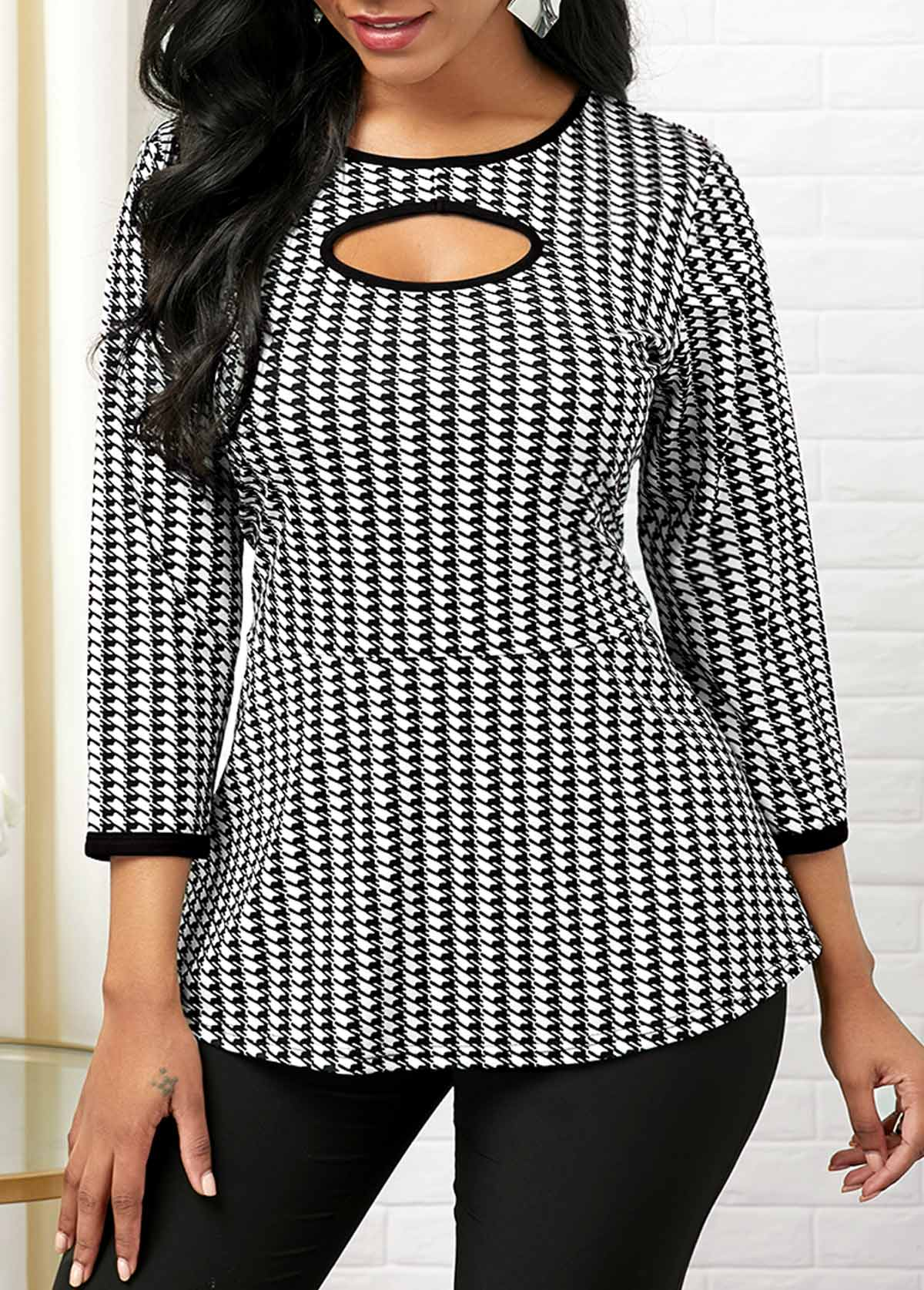 Houndstooth Print Round Neck Cutout Front T Shirt