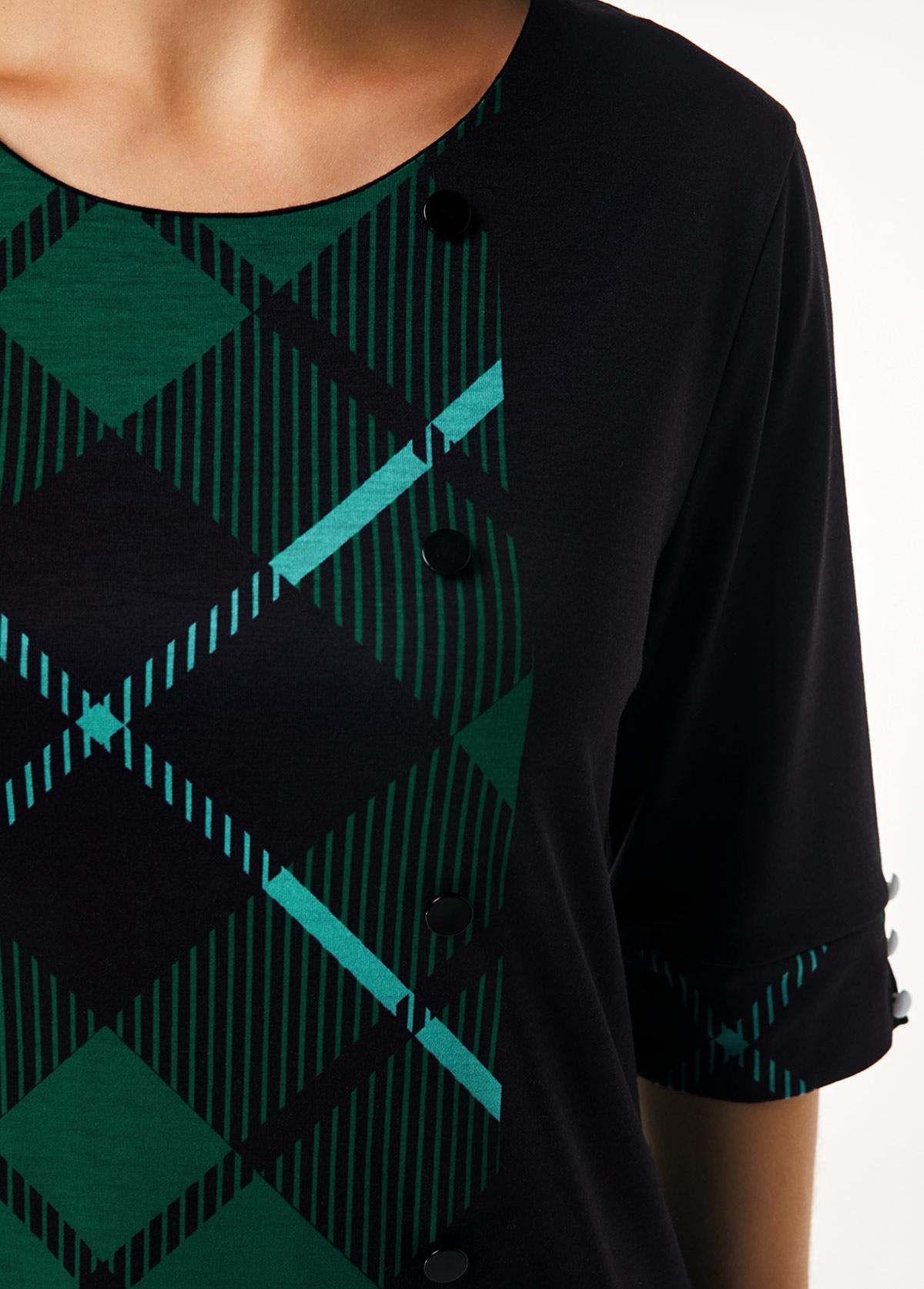 Plaid Print Three Quarter Sleeve Asymmetric Hem T Shirt