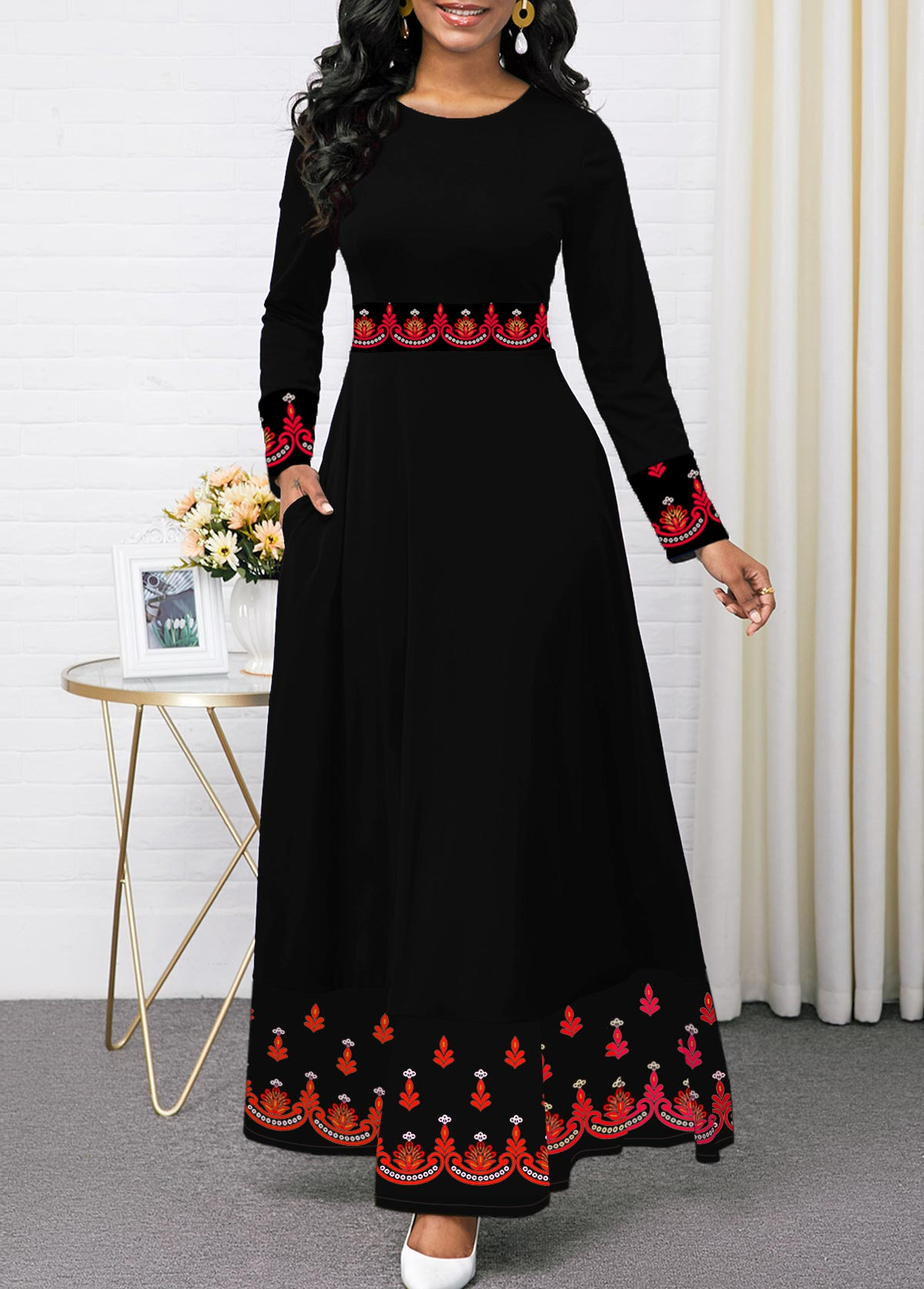 Black Long Sleeve Round Neck Printed Dress