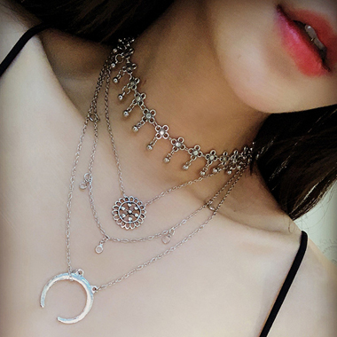 Sliver Star and Moon Design Necklace for Women