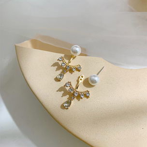 Rhinestone Pearl Decorated Metal Gold Pendant Earrings