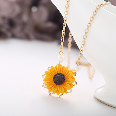 Sunflower Pendant Metal Chain Gold Necklace