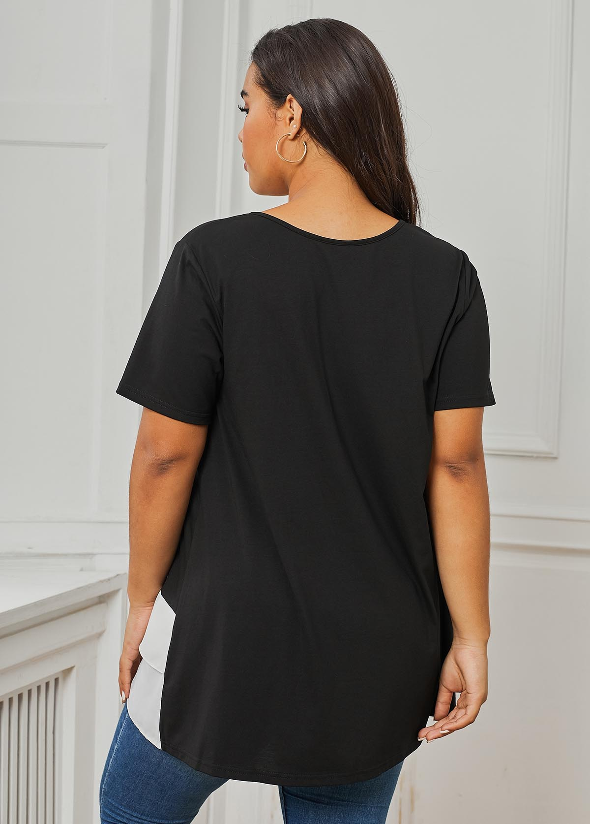 Round Neck Crossover Hem Contrast Plus Size T Shirt
