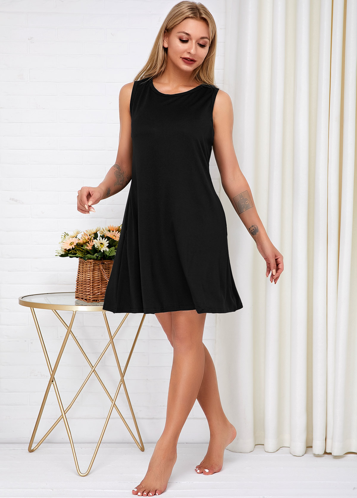 Sleeveless Side Pocket Round Neck Dress