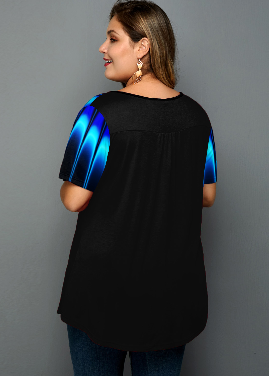 Printed Cage Neck Plus Size T Shirt