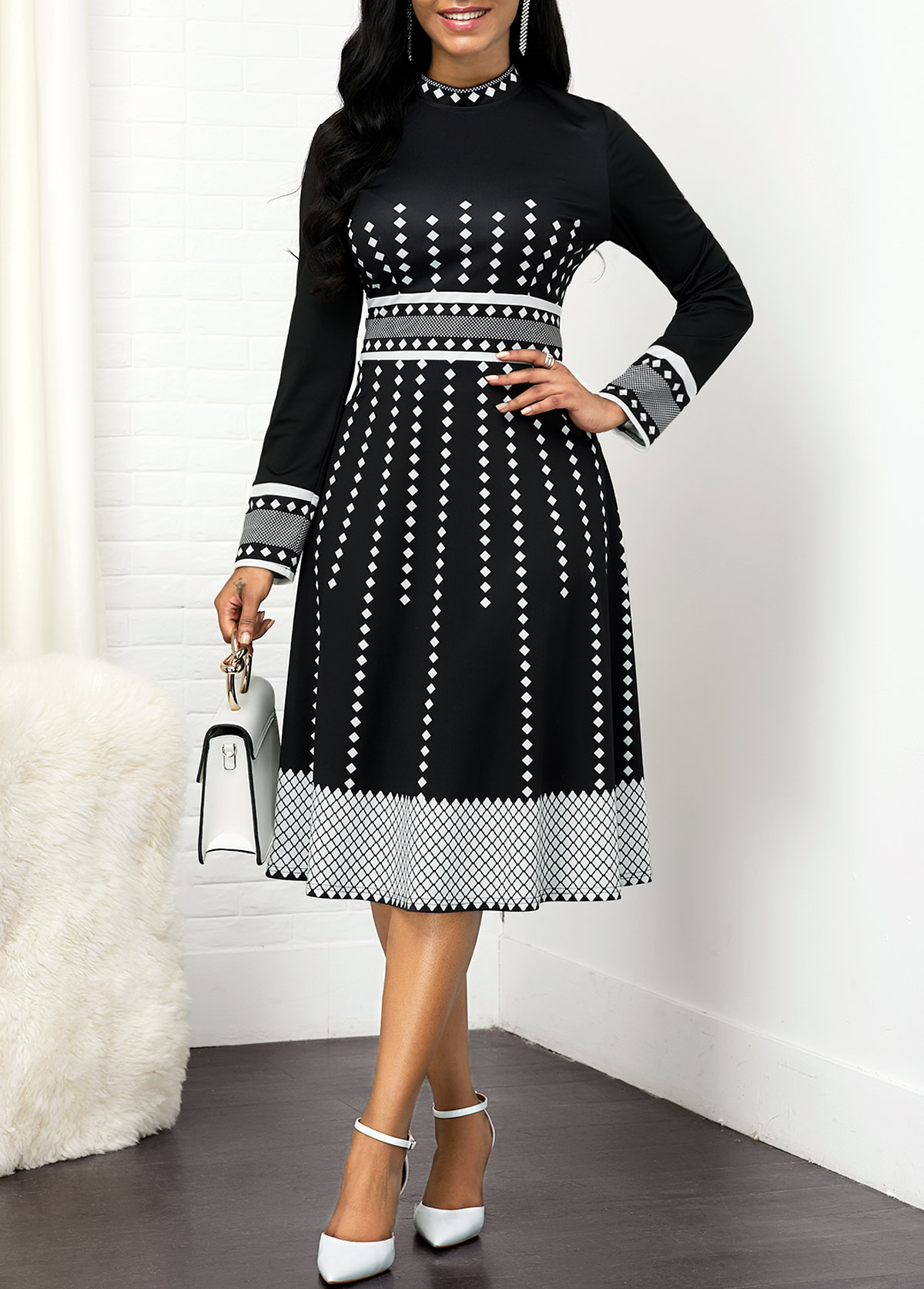 Round Neck Long Sleeve Geometric Print Dress