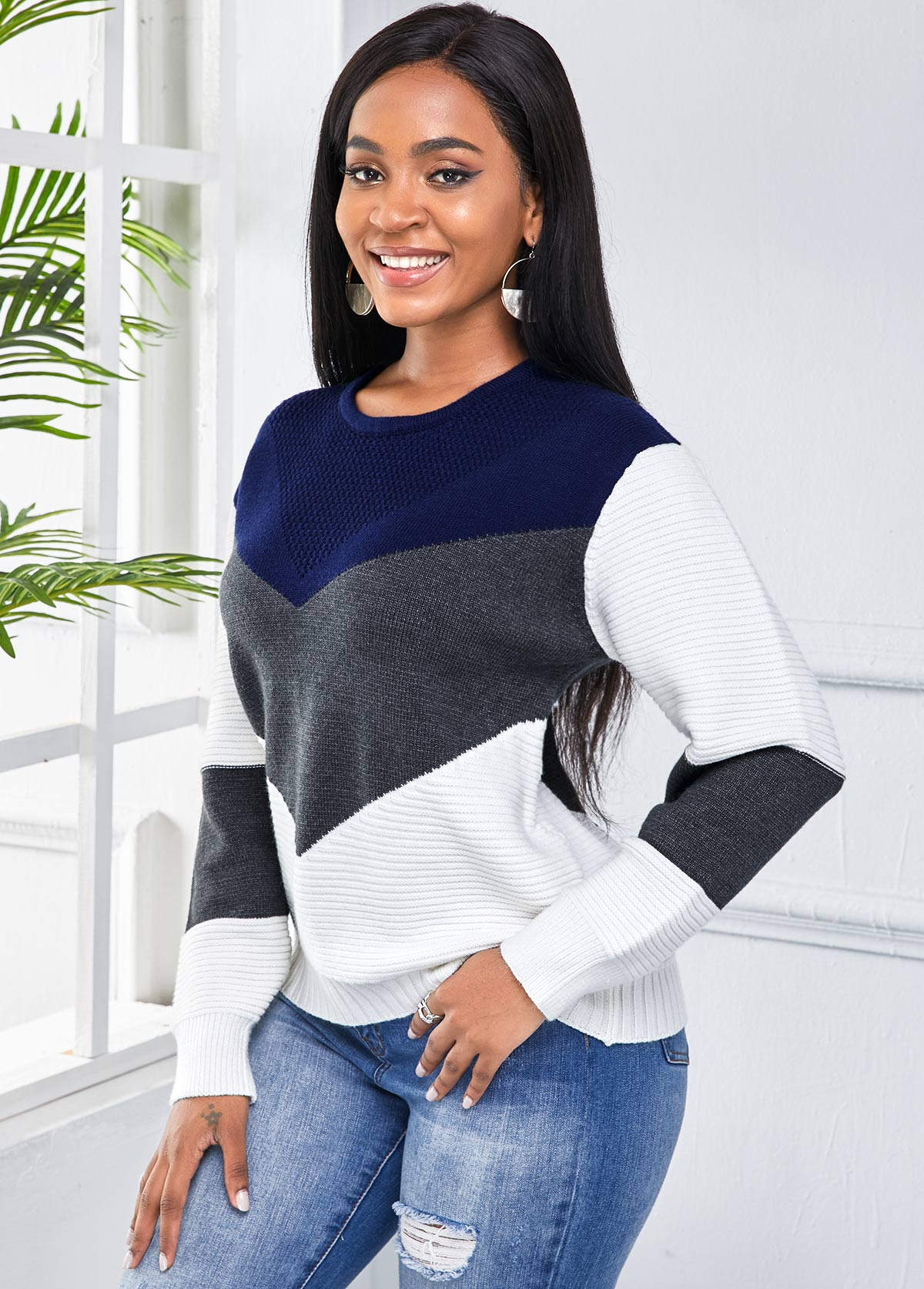 Long Sleeve Color Block Round Neck Sweater