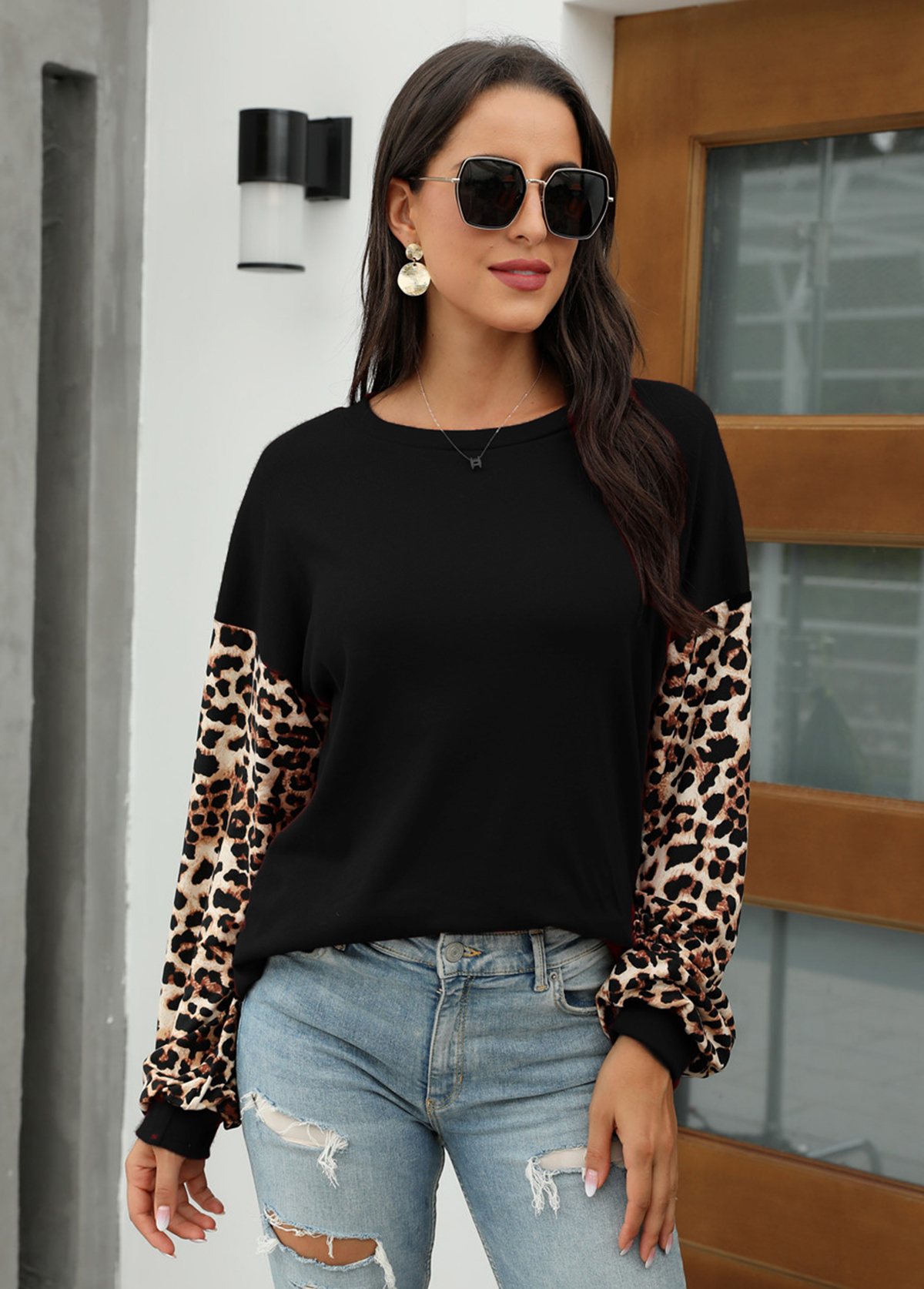 Round Neck Long Sleeve Leopard Sweatshirt