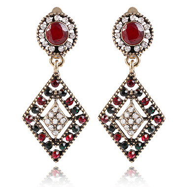 Red Metal Pierced Geometric Design Earring Set