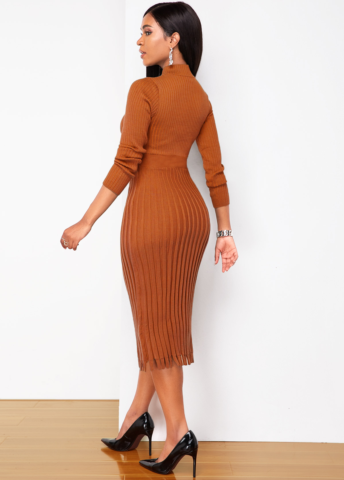 Brown Long Sleeve Round Neck Sweater Dress