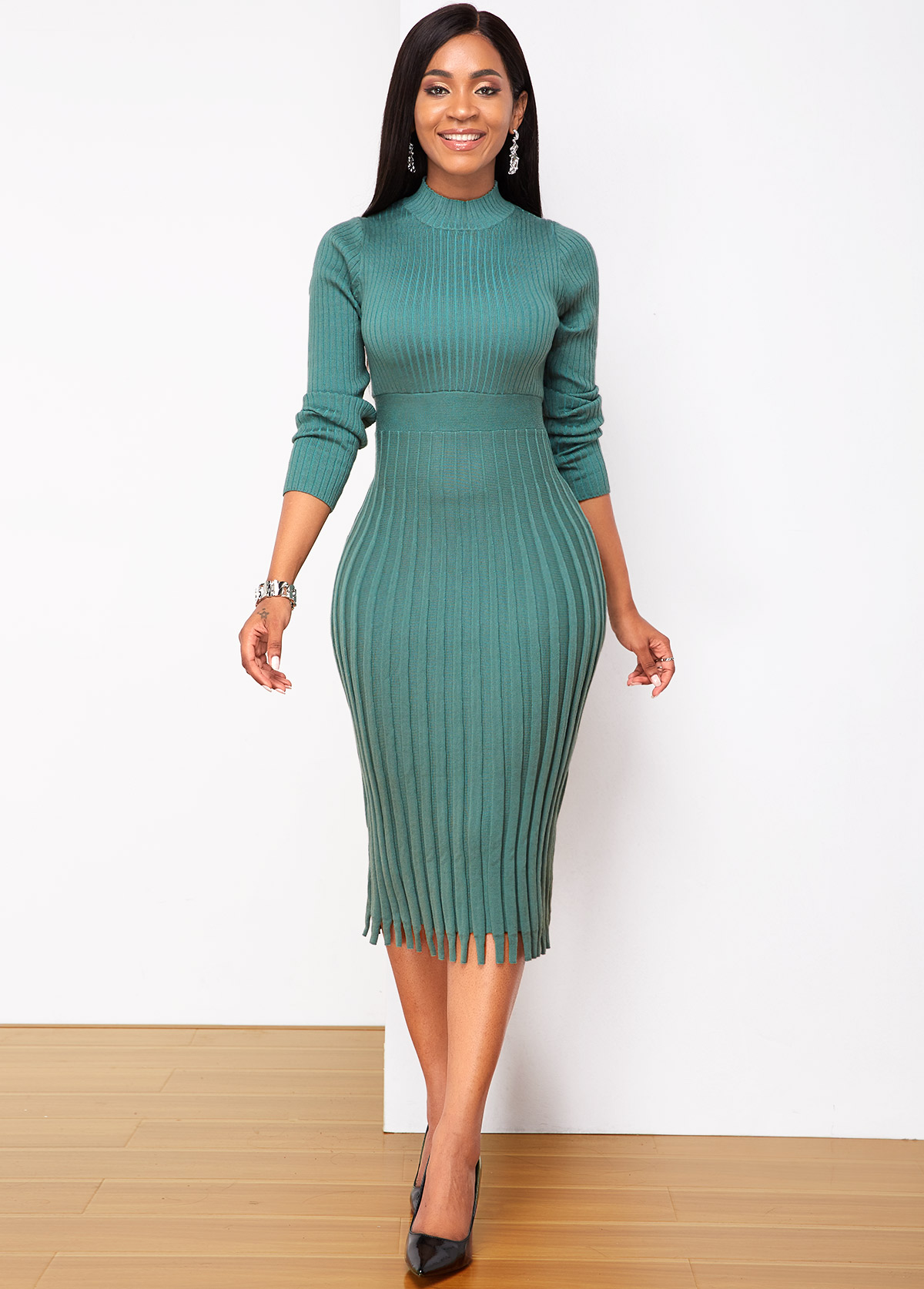 Long Sleeve Round Neck Green Sweater Dress