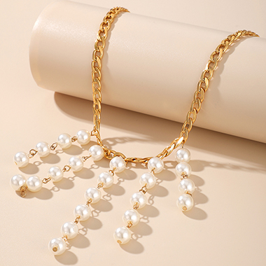 Pearl Detail Metal Chain Gold Necklace