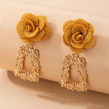 2 X 5.5cm Metal Tridimensional Flower Earring Set