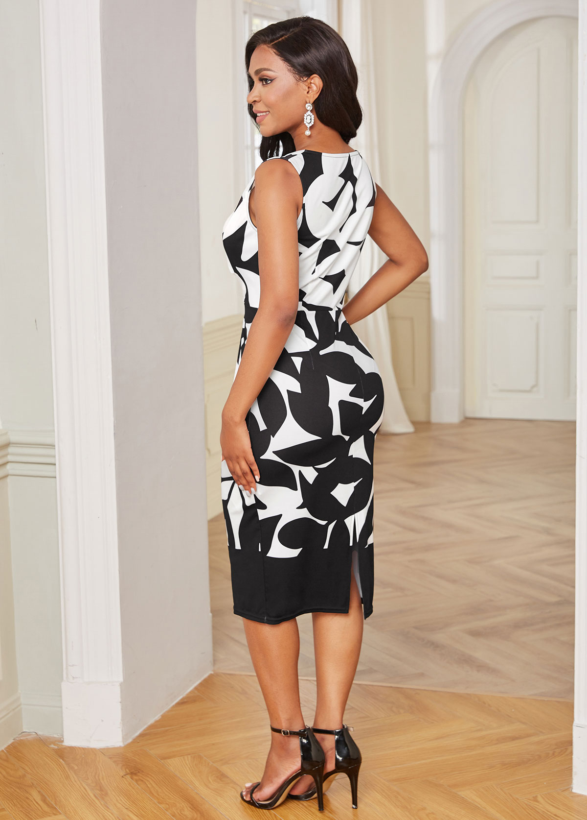 Round Neck Sleeveless Leaf Print Bodycon Dress