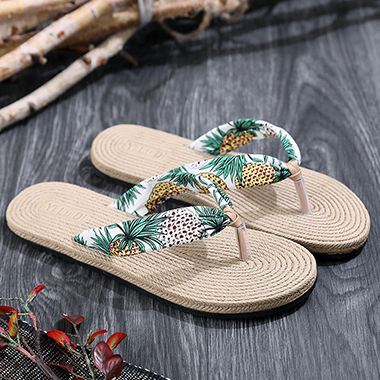 1 Pair Straw Plaited Article Tropical Print Flip Flops