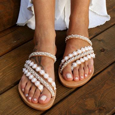 1 Pair Pearl Detail Lace Panel Flip Flops