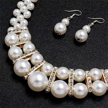 Pearl Detail Rhinestone Design Necklace and Earring Set