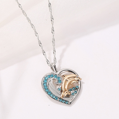 Metal Dolphin Detail Heart Design Necklace