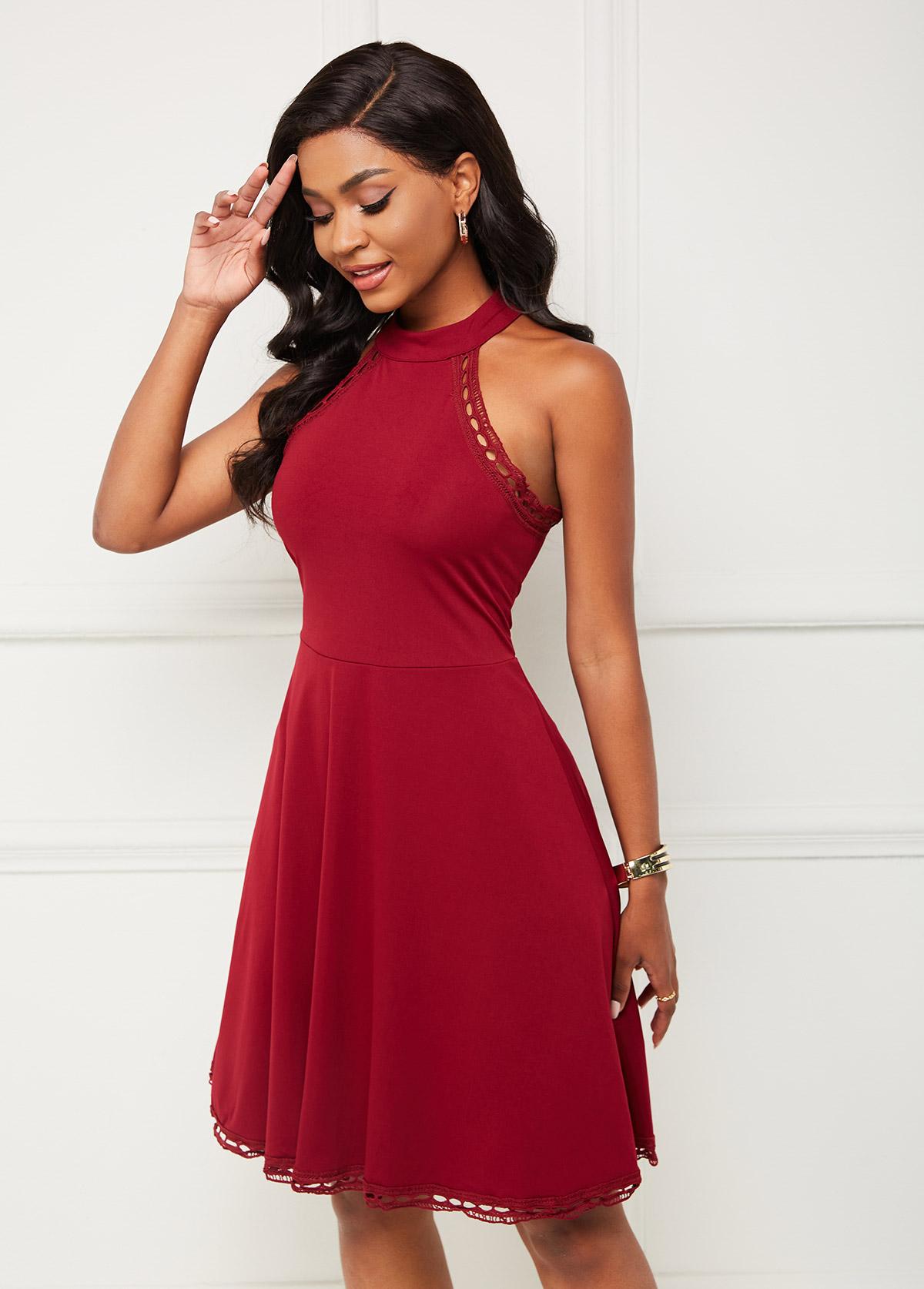 Sleeveless Bib Neck Lace Stitching Dress