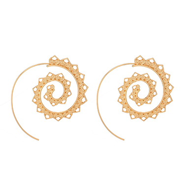 Metal Detail Heart Deaign Gold Retro Earrin Set