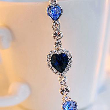 Metal Detail Heart Deaign Rhinestone Bracelet