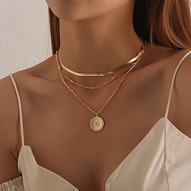 Metal Detail Layered Cirsular Design Necklace