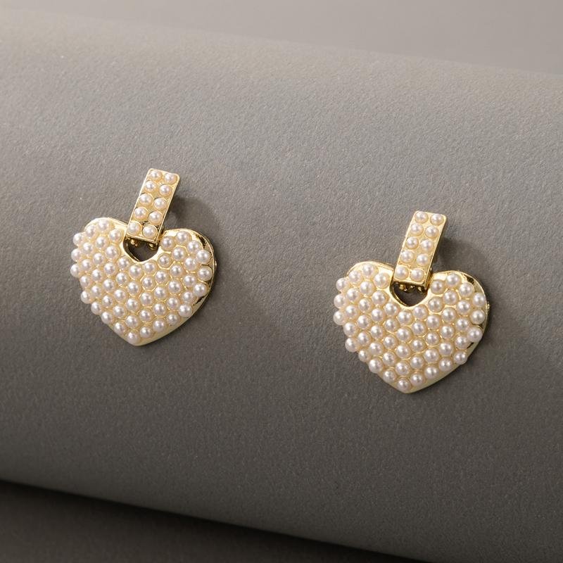 Heart Detail Pearl Design Earring Set