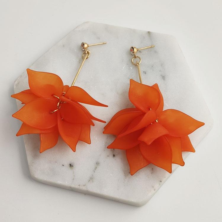 Metal Detail Layered Petal Design Earrings