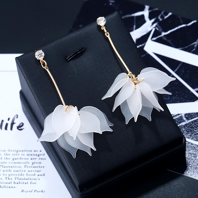 Layered Metal Detail Floral Design Earrings